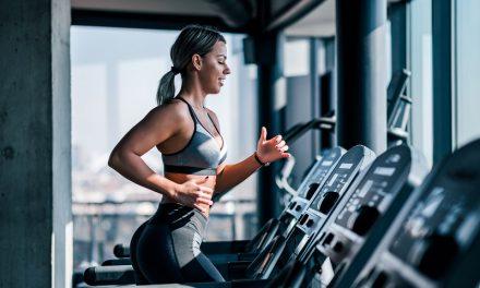Cardio, interwały czy trening siłowy – co spala najwięcej kalorii?