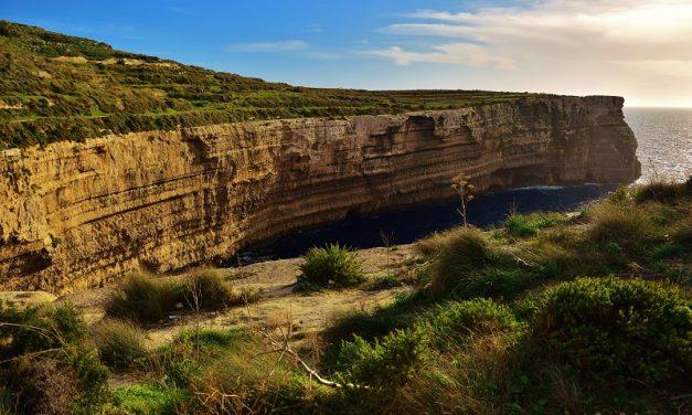 Malta i jej naturalne krajobrazy.